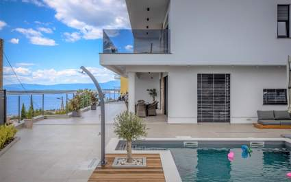 Deluxe Villa Provvidenza with breathtaking Sea View
