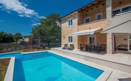 Villa Sandra con Piscina Riscaldata