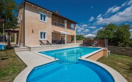 Villa Sandra with Heated Pool