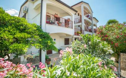 Guest House Marica - Apartment A2 / One bedroom patio