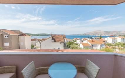 Apartment Ivana-Mira A2 - Okrug Gornji