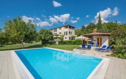 Villa Moncitta - central Istria - grijani bazen