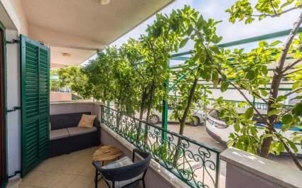 Apartment Ivana-Mira A1 - Okrug Gornji