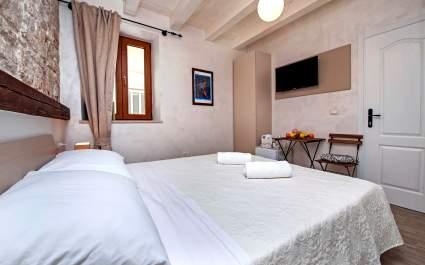 La Fondiaria/Double Room S2 Ivan