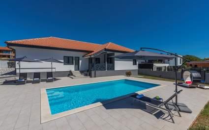 Villa Tria Gimino with private pool