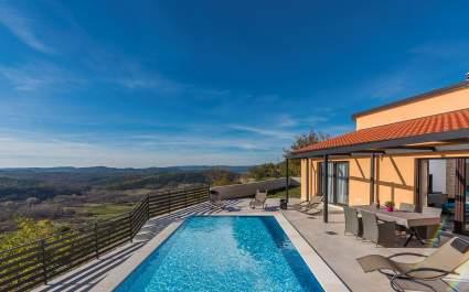 Ferienhaus mit Pool in Roc