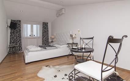 Apartments Cvek2/Deluxe Studio A5 - Rovinj