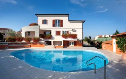Studio Appartamento Irena IV con piscina in comune