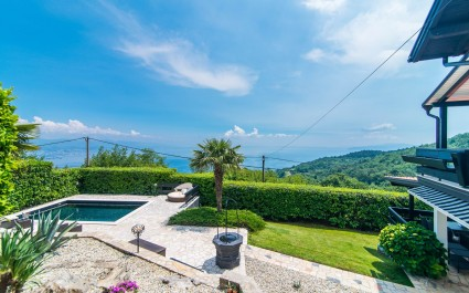 Authentic Villa Zatka with Sea View and Private Pool near Opatija