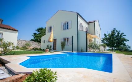 Two-Bedroom Villa Bella Vista with Sea View