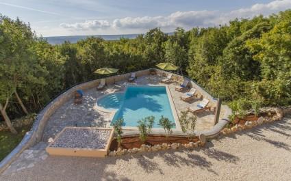 Villa Ana mit Pool im Resort Vlakovo