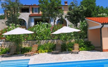 Villa Biljana mit Gemeinschaftspool in Resort Vlakovo