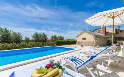 Casa vacanze Rita con piscina