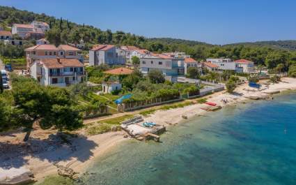 Beachfront Apartments / Apartman C - Okrug Gornji