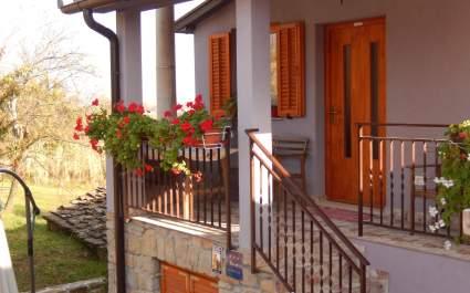 Apartment Sveti Leonard A2 - Oprtalj