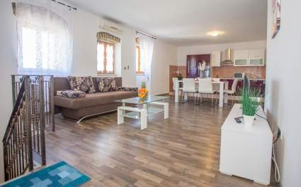 Apartment in Stone House Sterna near Visnjan