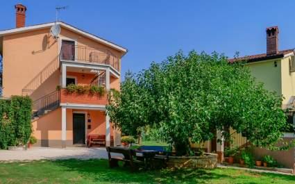 Studio Apartment Vilma mit Terrasse und Garten