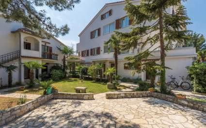 Villa Ladavac / Deluxe Double Room S1