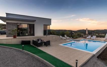 Villa Hill mit privatem Pool