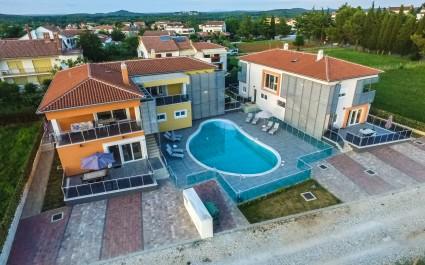 Ferienwohnung Residence Elody II mit 2 Schlafzimmer und Gemeinschaftspool