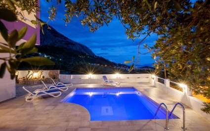 Villa Kristina con piscina privata a Makarska