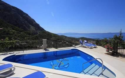 Villa Ivo i Bepo con piscina riscaldata a Makarska