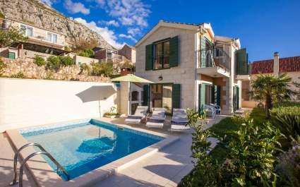 Villa Filip with gym, pool and sauna in Makarska