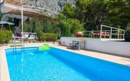 Holiday house Ana with heated pool in Makarska