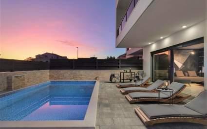 Luxury Villa Joe with pool and jacuzzi near Vodice