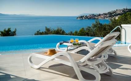 Villa Leona di lusso con piscina riscaldata a Makarska