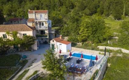 Villa Ljubini Dvori with private pool in Tucepi
