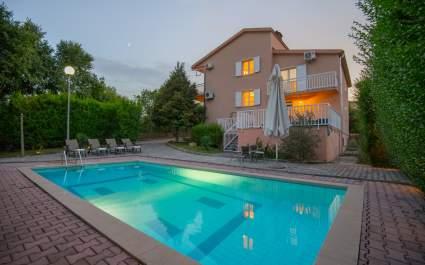 Villa Glorija with private pool near Imotski