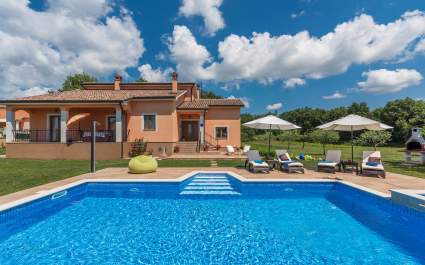 Unique Villa Antonela with Large Garden and Swimming Pool
