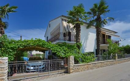 Apartment mit 2 Schlafzimmern Nevia II mit Garten