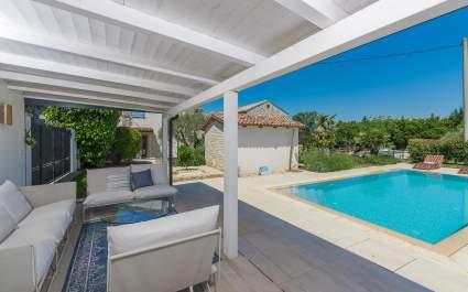 Casa Piccola with private pool near Porec