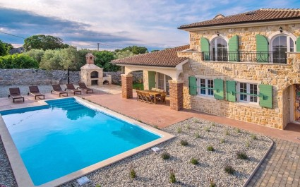 Charming Stone House Villa Perla with Pool in the Island of Krk