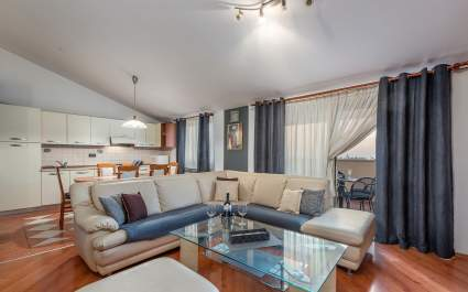 Sea View Apartment Jadranka with Balcony