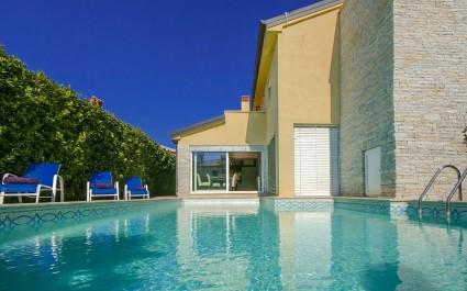 Villa Lidija with sea View in Porec