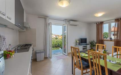 One-Bedroom Apartment Nensi with Balcony