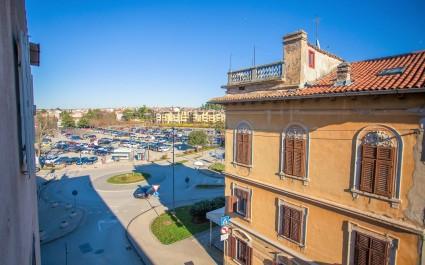 Appartamento Marino con 1 camera da letto nel centro di Parenzo