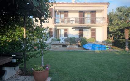 One-Bedroom Apartment Sandra II with Terrace and Garden View