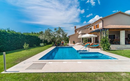 Villa Salambati with private pool in idyllic location