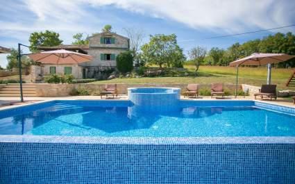 Jedinstvena Vila Bošket s bazenom i jacuzzijem okružena prirodom