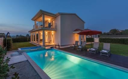Moderne Villa Anita mit Pool in der Nähe von Porec