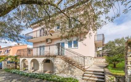 Four-Bedroom Holiday Home Mira in Porec