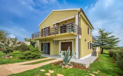 Beautiful and Modern Apartment Tija II with Terrace