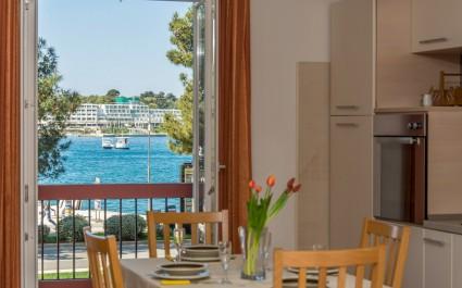 Apartment Riva Porec with Balcony and Sea View
