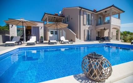 Gorgeous Villa Franka with Pool