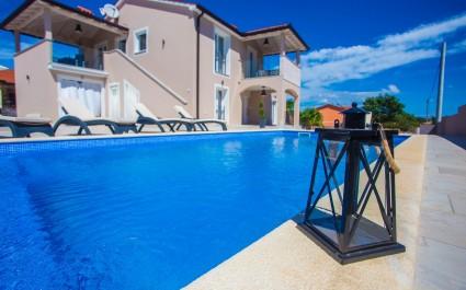 Splendida Villa Franka con piscina