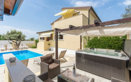 One-Bedroom Apartment Sani II with Roof Terrace and Shared Pool